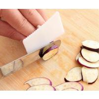 懿聚堂 928401创意用品小工具厨房神器切菜护手器护指器防切手指套保护器