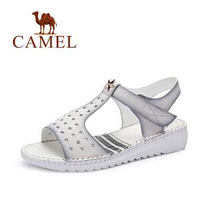 骆驼女鞋 夏天新款休闲舒适洞洞鞋 防滑露趾中跟坡跟凉鞋
