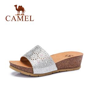 Camel/骆驼女鞋 夏新款 舒适轻便 亮片镂空水钻中跟拖鞋凉拖
