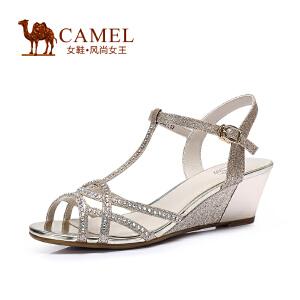 Camel骆驼女鞋 时尚 水钻T字带金属搭扣坡跟凉鞋